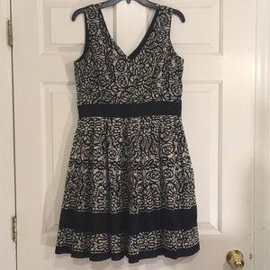 🆕TAYLOR Brand Dress SZ 8